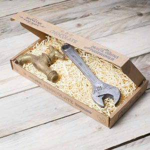 chocolate-adjustable-spanner-tap-gift-set