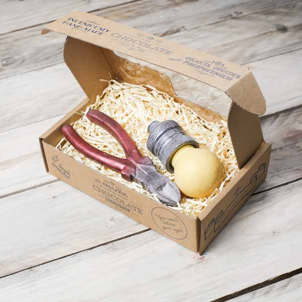 chocolate-electrician-gift-box