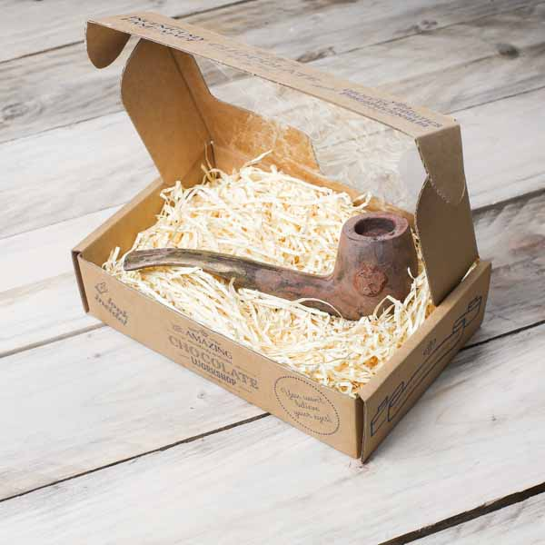 chocolate-pipe-gift-box-closed